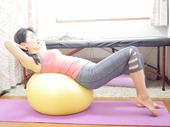 家事や育児をしながら、セルフで骨盤矯正できる! 腰痛・肩こりに悩む産後ママの為の10日間無料メール講座