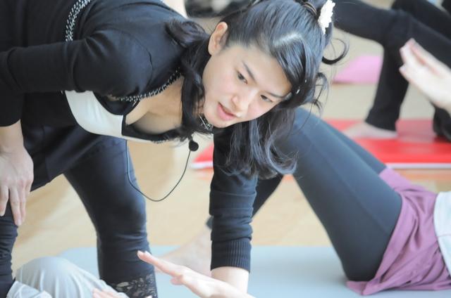 骨盤矯正パーソナルトレーナー    Naoko